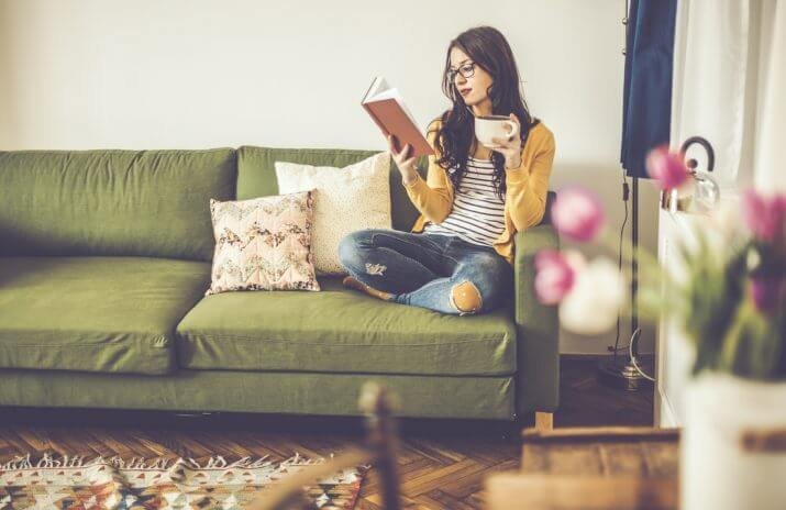 Couch Surfing: Smart Saving Or A Roll Of The Dice?