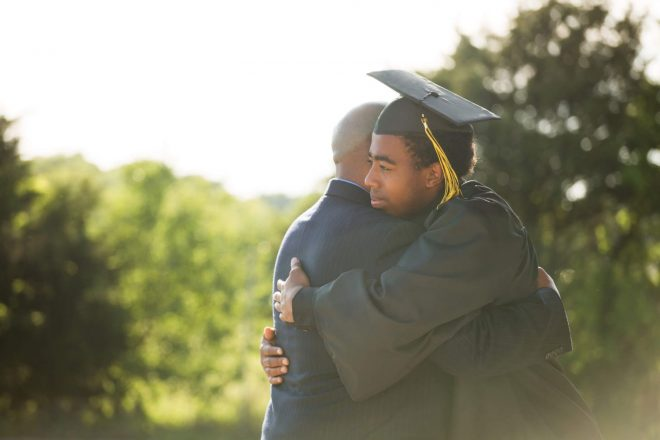 The Top 10 Frugal Graduation Gifts That Any Student Will Love