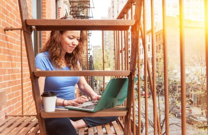 Freelancing Tips: 7 Steps to Become a Minimalist Freelancer - freelance full-time
