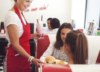 I Hate Tipping at Restaurants – Here's Why - restaurant tipping