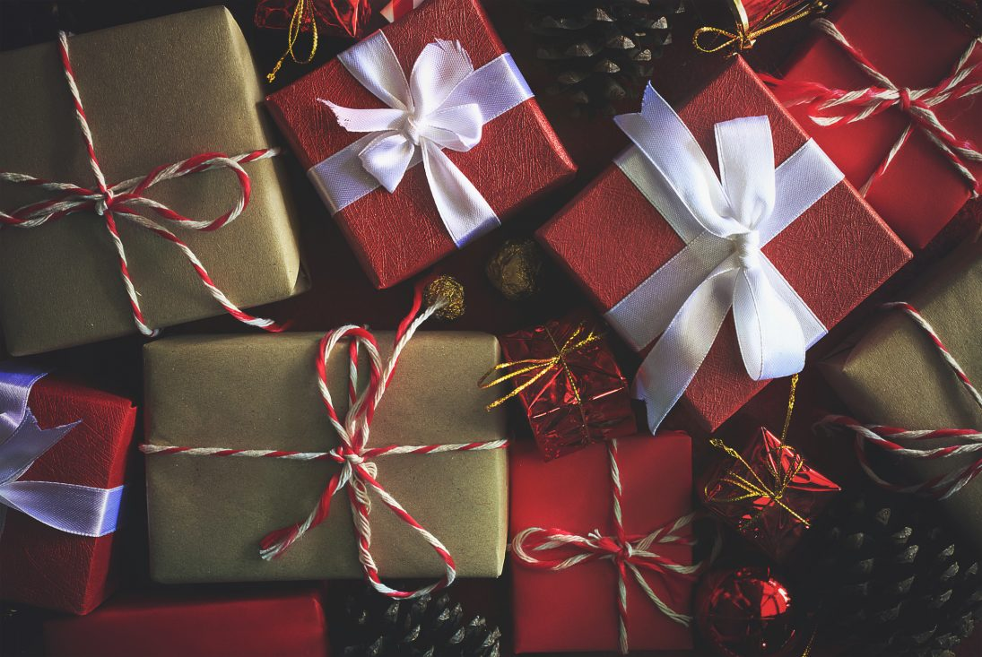 Cheap Gift Ideas 6 Tips To Buy Used Presents Centsai