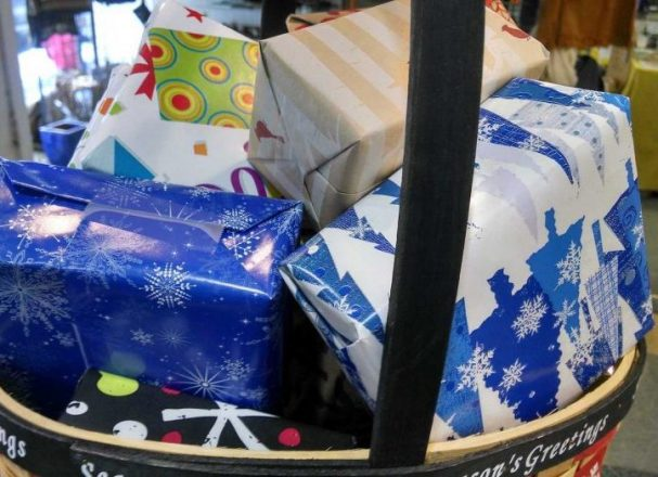 Cheap Gift Ideas: 6 Tips to Buy Secondhand Presents and Not Get Caught