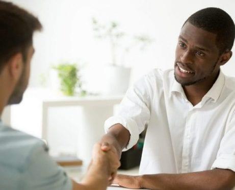 Negociar beneficios: 7 formas de aprovechar al máximo su trabajo