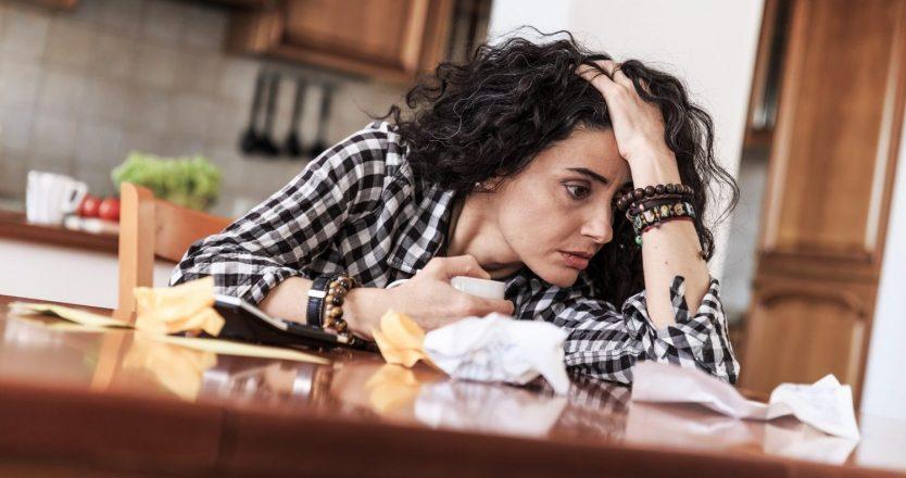 Lidiar con las dificultades financieras: cómo mantener la calma