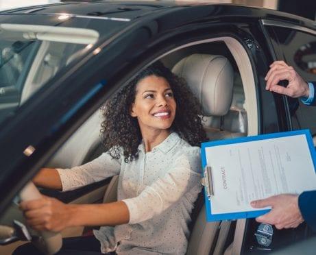 Por qué y cómo comprar un automóvil usado