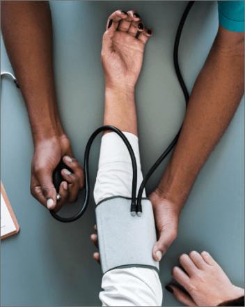 Guía definitiva de sistemas de alerta médica (PERS)
