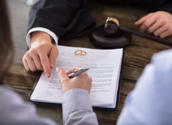 What to Do When Getting a Divorce: 10 Financial Updates