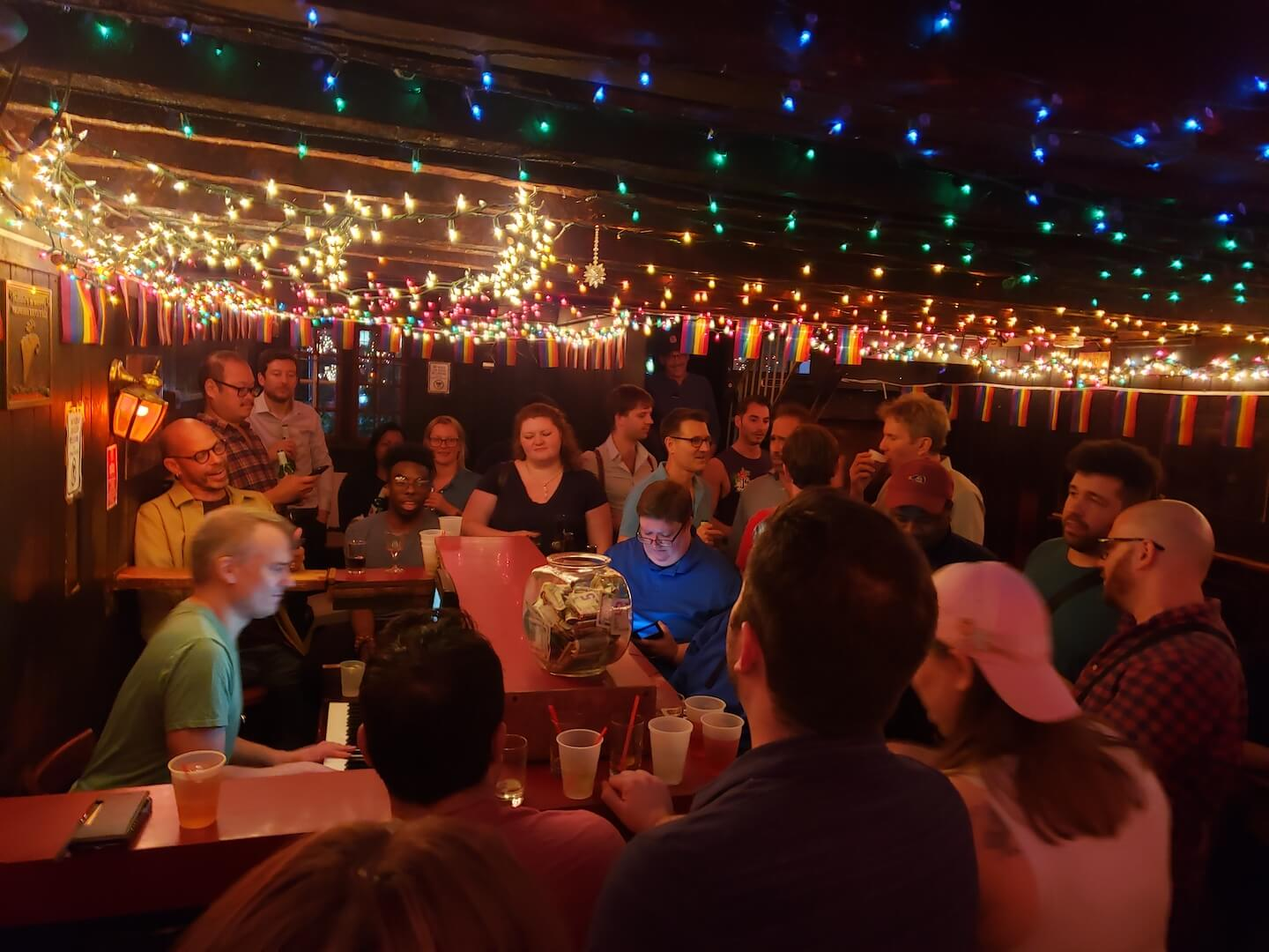 Best gay bars in NYC, Marie's Crisis